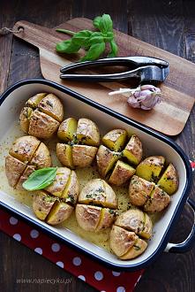 Ziemniaki zapiekane z masłe...