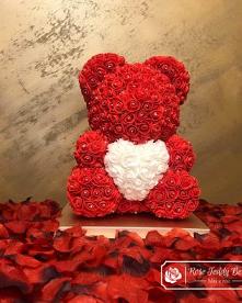 Miś z Róż z sercem prezent ...