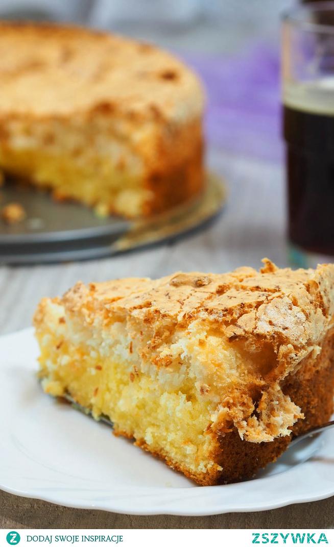 """Ciasto Kokosowe cudo. Przepis na łatwe ciasto. Jak sama nazwa wskazuje """"cudo"""". Cudny wilgotny spód i cudna beza kokosowa. Ciasto jest proste do zrobienia i bardzo pyszne."""