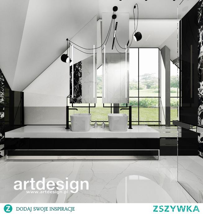 Biało-czarna łazienka na poddaszu nowoczesnego domu | REACH FOR THE STARS