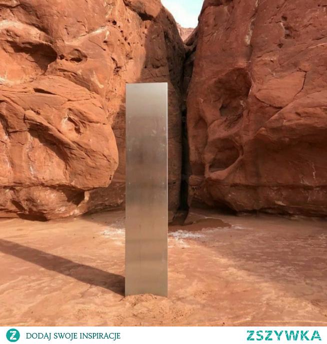 W zachodnich Stanach jest mnóstwo niezamieszkałych terenów. Właśnie na takim odludziu w stanie Utach, w ostatnich dniach odkryto tajemniczy monolit, którego pochodzenie jest nieznane.