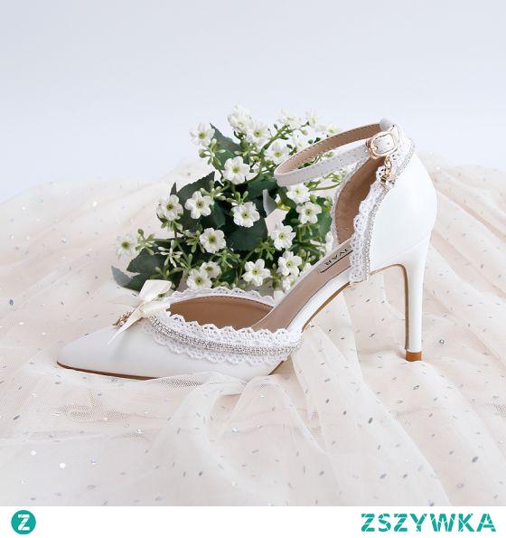 Eleganckie Białe Z Koronki Rhinestone Buty Ślubne 2020 Z Paskiem 9 cm Szpilki Szpiczaste Ślub Na Obcasie