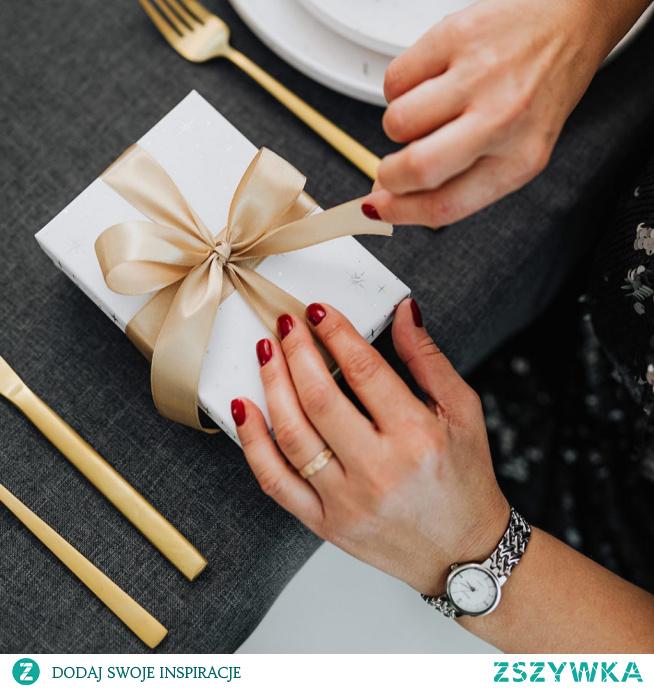 Praktyczny prezent dla rodziców na ślub, rocznicę lub święta - artykuł na blogu Mocem