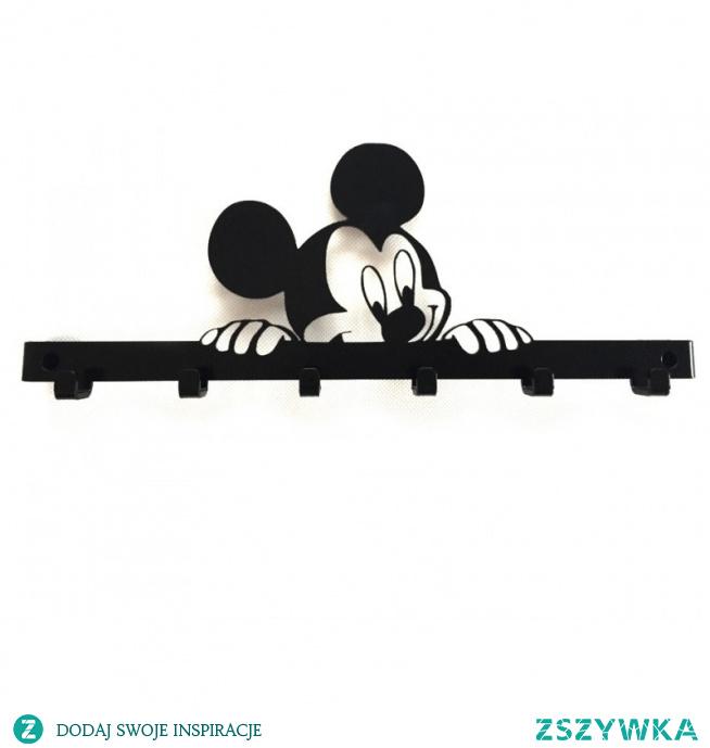 Moda na uśmiechniętą myszkę Miki dotarła też do nas :-) Wspaniały model do dziecięcego pokoju. Nie tylko dla sympatyków myszki. Wykonany na dystansie, posiadający 5 solidnych haczyków, może służyć również jako wieszak na klucze. Idealny na prezent na każdą okazję!