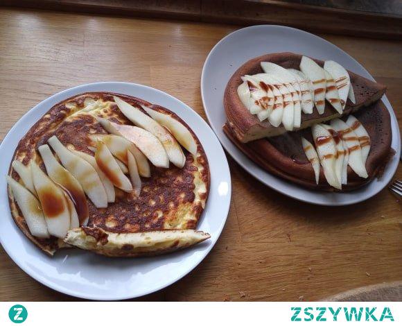 Omlet twarogowy jak sernik z dodatkiem gruszki :)