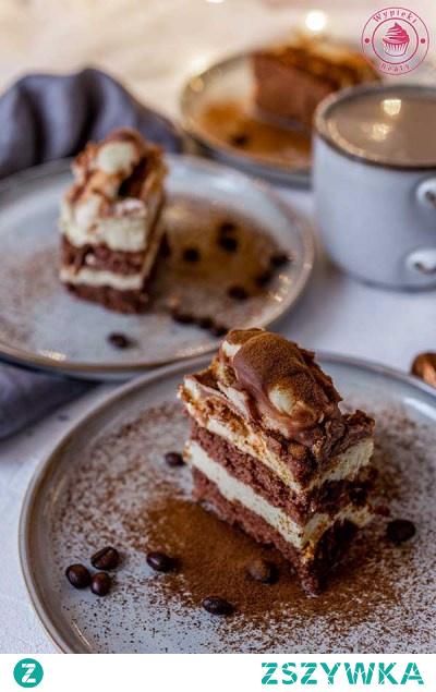 ciasto-z-kremem ciasto-przekładane ciasto-góra-lodowa ciasto-czekoladowe czekoladowe biszkopt-czekoladowy biszkopt-z-kremem krem-maślany mleko-w-proszku czekolada biszkopty biszkopt