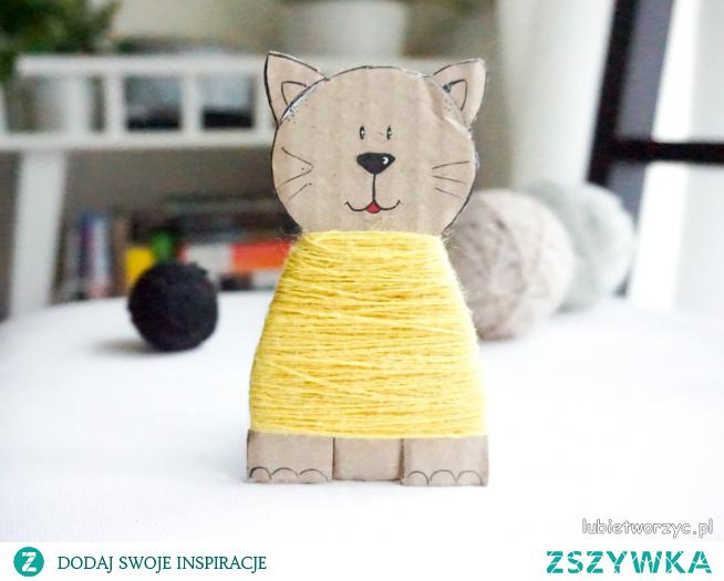 Tutorial ukazujący sposób wykonania kota z wykorzystaniem kartonu i wełny :)