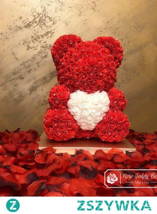 Miś z Róż z sercem prezent na Walentynki
