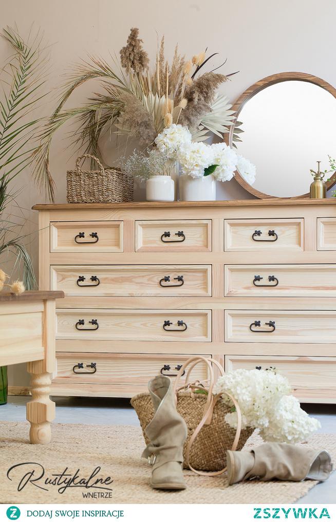 Drewniana komoda w stylu rustykalnym. Przepiękna drewniana komoda do salonu i sypialni. #meble #mebledrewniane #rustykalnewnetrze #meblerustykalne #meblesosnowe