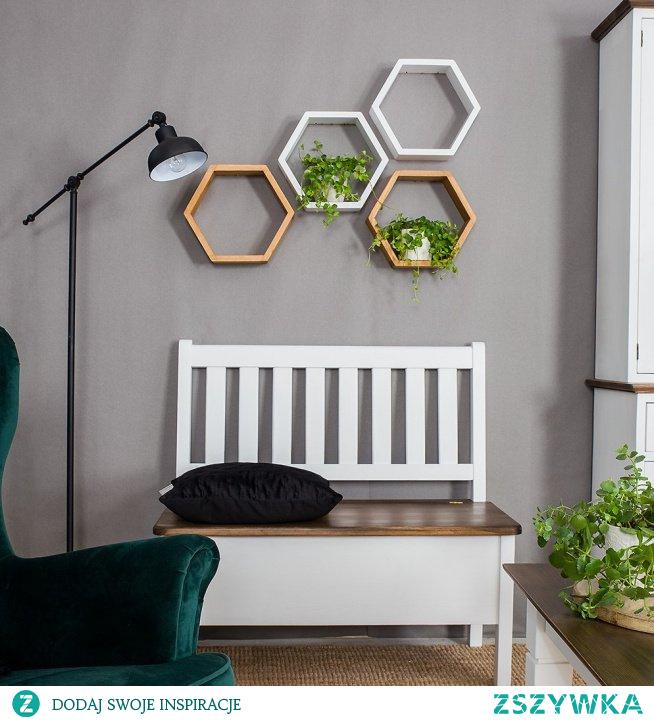 Heksagony - półki w kształcie plastra miodu - nowoczesne wzornictwo i efektowna dekoracja ścienna, którą możesz dowolnie konfigurować.#meblewoskowane #drewno #mebledrewniane #vintage #wnętrza #aranażacje #półki #dekoracje #jadalnia #salon #meblewoskowane