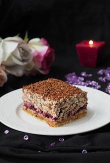 Ciasto Castaneis. Ciasto z nutką tajemnicy zaskakuje swoim smakiem. Pyszne ciasto ni to słodkie, ni to słone. Z każdym kęsem zastanawiamy się nad jego składnikami. Mimo że bardz...