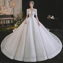 Luksusowe Białe Suknie Ślubne 2021 Suknia Balowa Wycięciem Frezowanie Perła Rhinestone Kokarda Kótkie Rękawy Bez Pleców Trenem Królewski Ślub