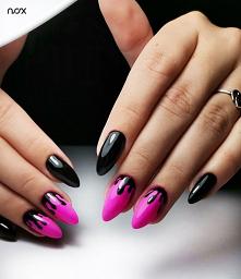 Połączenie czerni i różu to sprawdzona propozycja na efektowny manicure! Przed Wami Czarna Perła i Las Vegas w czarującej stylizacji! Jak Wam się podoba?