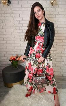 Szyfonowa sukienka w róże. ...