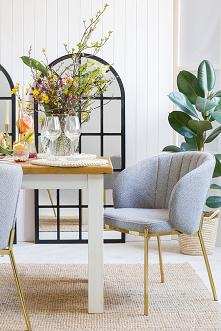 Aranżacja wielkanocna. Jadalnia w wielkanocnej aranżacji. Stół wielkanocny. Dom na Wielkanoc.#Beautiful #Dodatki #Stylizacja #Wielkanoc #wiosna #Wystrójwnętrz #Dom #dekoracje #s...