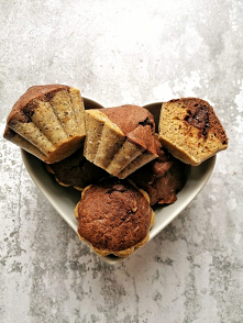 Dwukolorowe muffinki z czek...