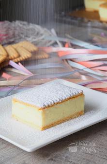 Kremówka bez pieczenia. Bajeczny krem budyniowy albo niesamowity smak to tylko dwa nieadekwatne określenia tego jakże wyśmienitego ciasta. Bez pieczenia i z kilku składników moż...