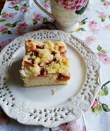 Ciasto babeczkowe z rabarbarem