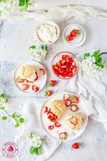 Truskawkowe shortcakes - Wy...