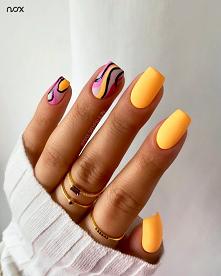 Brzoskwiniowy manicure to i...