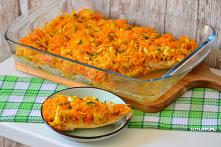 Rodzinny obiad w mgnieniu oka! Soczyste piersi z kurczaka pod smakowitą pierzynką z marchewki i pora. Bardzo proste danie, a robi wrażenie!