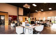 Klimatyzacja w biurze to najlepsze z możliwych rozwiązań, jeśli zależy nam, aby pomieszczenie zapewniało komfort zarówno osobom zatrudnionym, jak również potencjalnym klientom. ...