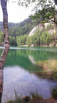 Zielone bajeczne  jezioro w...