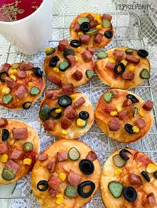Szybkie mini pizze z kiełbasą