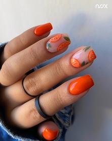 Pomarańczowe paznokcie z wz...
