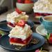 Ciasto Truskawkowa Chmurka z Kremem Śmietanowym i Bezą.  #beza #truskawkowachmurka #bezpieczenia #migdaly #bezowachmurka
