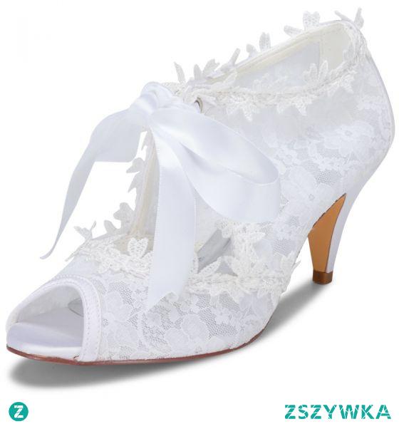 Piękne Białe Satyna Z Koronki Buty Ślubne 2021 Kokarda 6 cm Szpilki Peep Toe Ślub Wysokie Obcasy