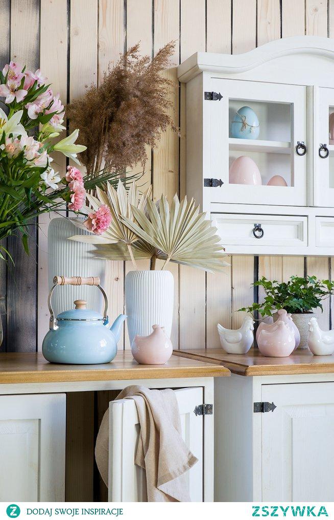 Drewniana biała szafka wisząca do kuchni, drewniana szafka stojąca do kuchni. #Zróbtosam #Wielkanoc #Meble #Dodatki #Beautiful  #szafkakuchenna #Stylizacja #Wiosna #Wystrójwnętrz  #stół #kuchnia