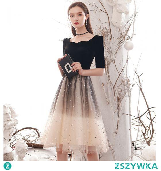 Moda Czarne Gradient-Kolorów Homecoming Sukienki Na Studniówke 2021 Princessa Kwadratowy Dekolt Gwiazda Cekiny Kótkie Rękawy Długość do kolan Sukienki Wizytowe