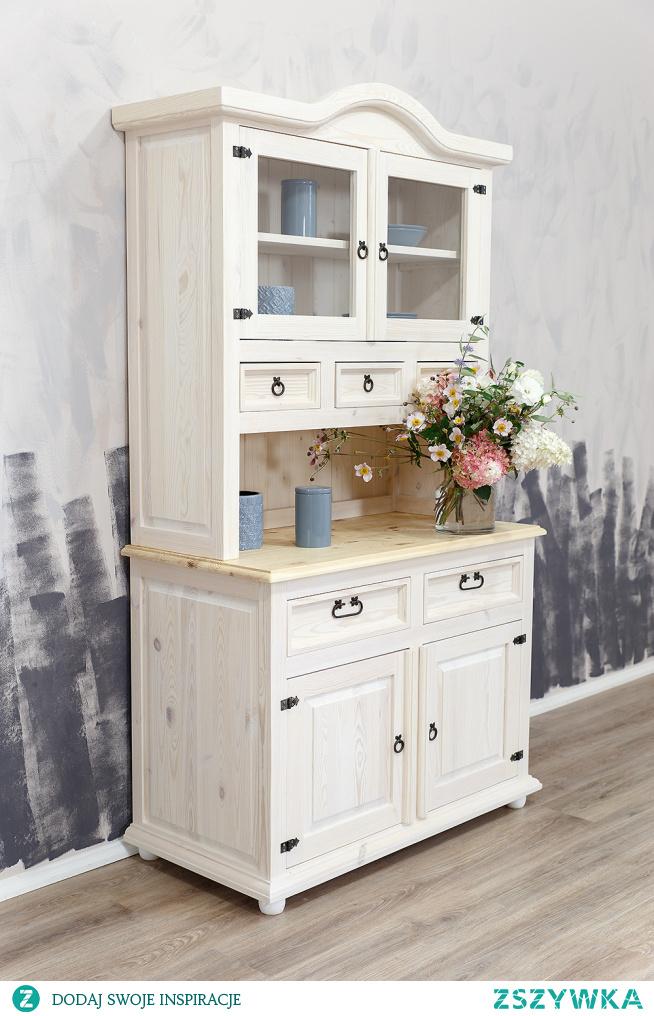 Drewniany biały kredens do kuchni.  #kuchnia #kitchen #Dodatki #Meble #Stylizacja #Wystrójwnętrz #Wnętrze #Wiosna #Kwiaty #Design #Rękodzieło