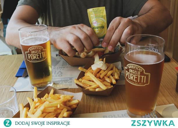 10 interesujących faktów na temat piwa   Piwo to zdecydowanie jeden z najpopularniejszych napojów wśród mężczyzn, a nawet kobiet! Oprócz tego lekko gorzkiego, ale satysfakcjonującego smaku piwa, który pasuje do prawie każdego dania, badania wykazały, że jest zdrowy i wspomaga pracę nerek.   piwa ,Piwo ,smaku piwa ,każdego dania ,badania ,zdrowy  #piwa #Piwo #smakupiwa #każdegodania #badania #zdrowy