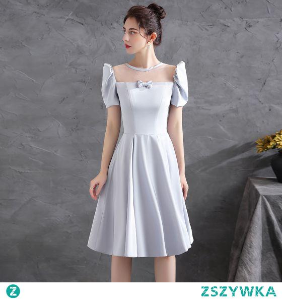 Moda Szary Homecoming Satyna Sukienki Na Studniówke 2021 Princessa Wycięciem Kokarda Kótkie Rękawy Bez Pleców Długość Herbaty Sukienki Wizytowe