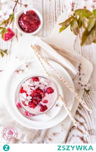 Sernikowe smoothie z malinami | Przepisy | Wypieki Beaty