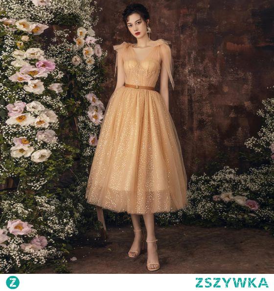 Piękne Szampan Cekiny Homecoming Sukienki Na Studniówke 2021 Princessa V-Szyja Bez Rękawów Szarfa Długość Herbaty Sukienki Wizytowe