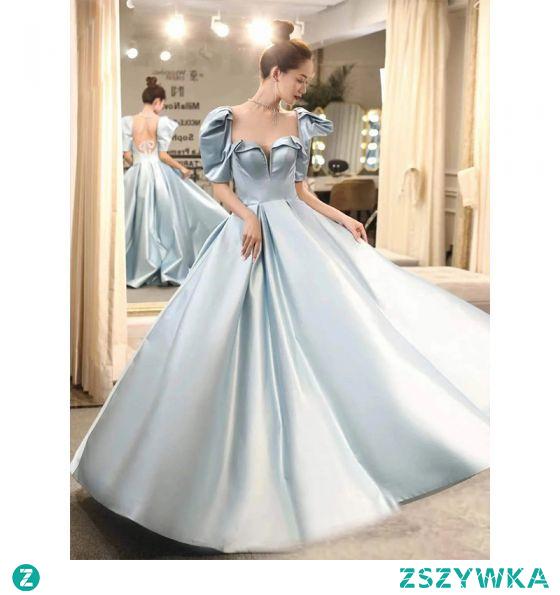 Vintage Błękitne Satyna Sukienki Na Bal 2021 Princessa Kwadratowy Dekolt Kótkie Rękawy Bez Pleców Frezowanie Kokarda Długie Bal Sukienki Wizytowe
