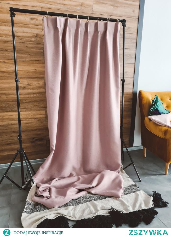 Piękna zasłona w kolorze brudnego różu - materiał DIMOUT D45. Szyjemy  na wymiar, napisz do nas: NASZE DOMOWE PIELESZE :)