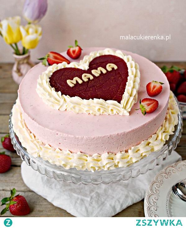 Pyszny tort truskawkowy dla ukochanej osoby. Przepis po kliknięciu w zdjęcie.