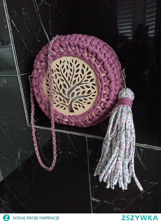 piękna okrągła torebka #torebka #okraglatorebka #nawiosne #nalato #letniastylizacja #wiosennastylizacja #dlaniej #prezent