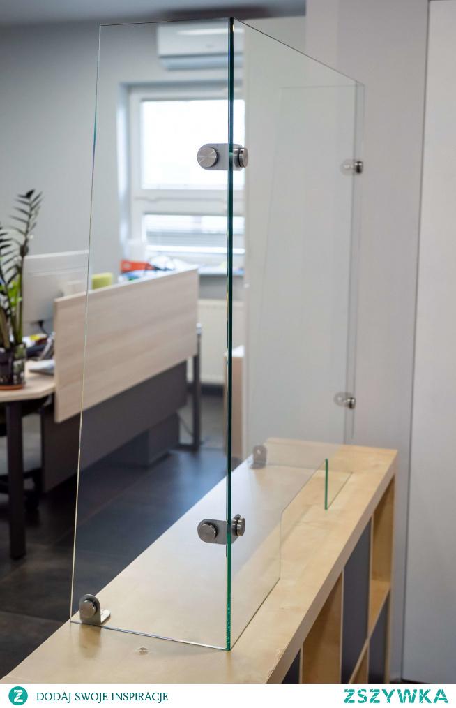 Obowiązkowe w wielu lokalach czy biurach osłony szklane na biurko, zamówisz w firmie Ankora. Cieszymy się doskonałą renomą - sprawdź nas!