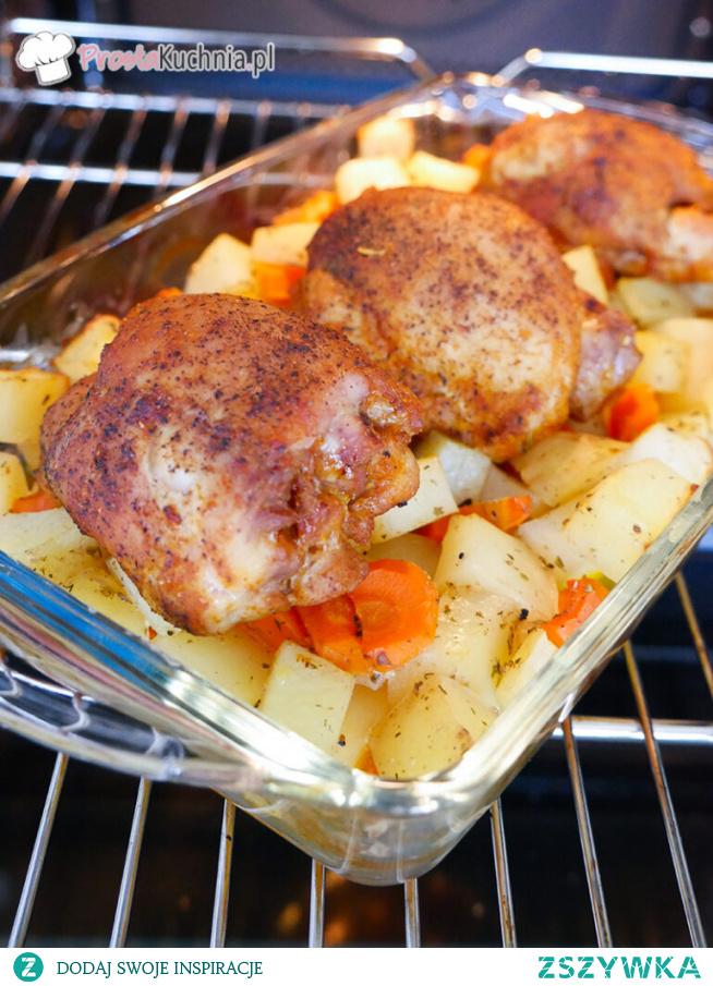 Kurczak pieczony na młodych ziemniakach