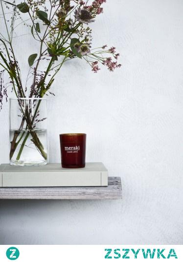Dodatek do domu, który doskonale sprawdzi się w roli prezentu? Nasza propozycja to świeca zapachowa sojowa skandynawski ogród, która jest produktem ekologicznym i do tego ten zapach!