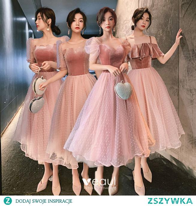 Piękne Rumieniąc Różowy Zamszowe Sukienki Dla Druhen 2021 Princessa Kwadratowy Dekolt Kótkie Rękawy Bez Pleców Długość Herbaty Sukienki Na Wesele