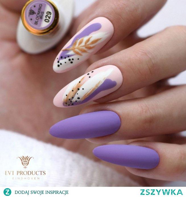 Urokliwy matowy Irys ❤ Lakiery hybrydowe 029 - Blooming Iris 001 - Mr.black 002 - Mrs. white 043 - Lightsome pink Top Velvet Marka Evi Products Jak się Wam podoba?