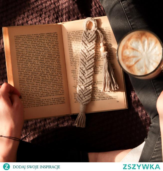 zakładka do książki ze sznurka  instagram @sten_handmade