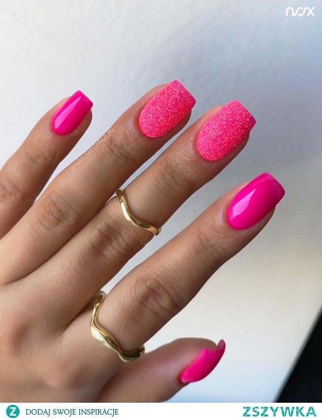 3814 Las Vegas to kolorek idealnie współgrający z różowym brokatem 6021 Rainbow Glitter! Jak Wam się podoba takie połączenie neonowych odcieni? Dajcie znać w komentarzach!