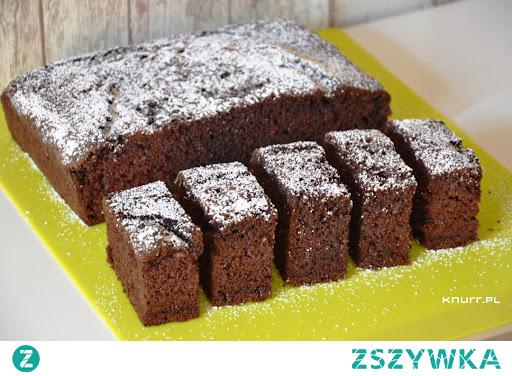 Najlepsze ciasto z cukinii, jakie jadłam. Wilgotne, bardzo puszyste i miękkie. A do tego jest banalnie proste w przygotowaniu. Przepis, który warto znać!